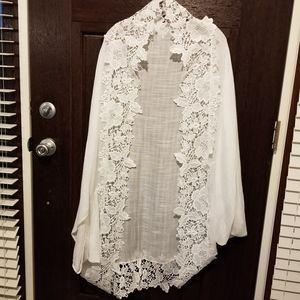 NWOT Merona White  viscose w/ lace trim Kimono